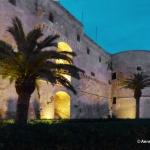 Vue nocturne du Castello aragonese de Tarente Tarento