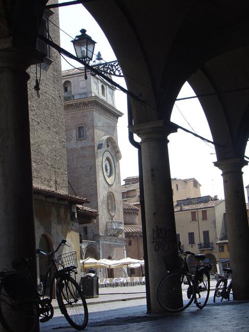 Piazza del Erbe à Mantoue