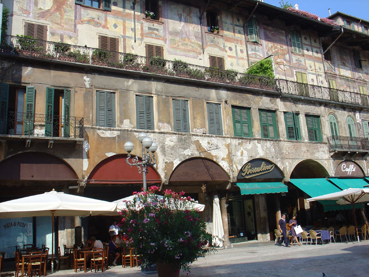 piazza delle Erbe à Verone