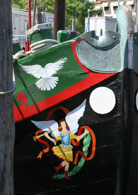 Traditions de Chioggia les bateaux peints