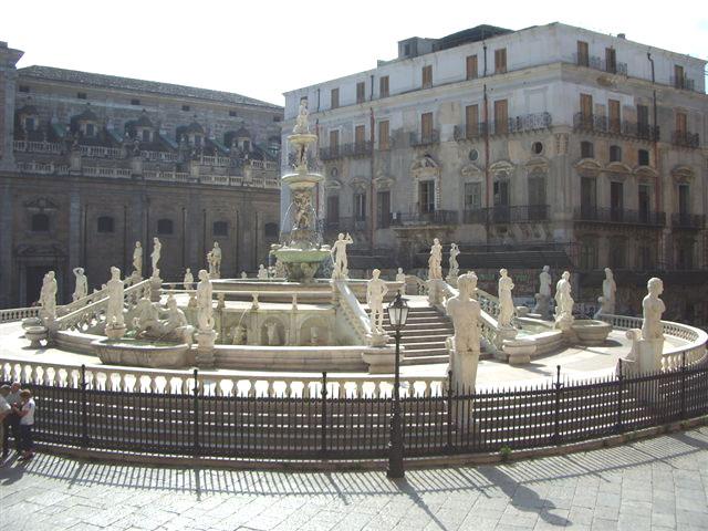 fontaine Pretoria à Palerme ou della Vergogna