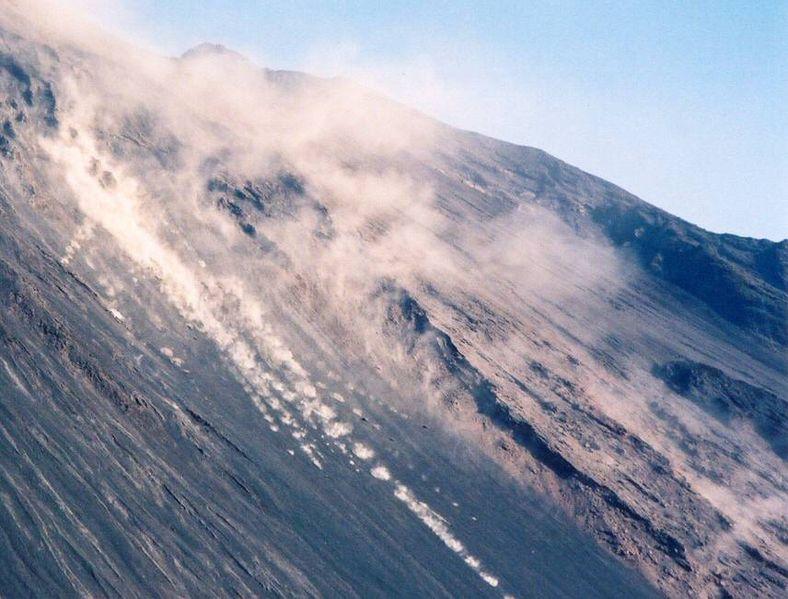 Le Stromboli en éruption