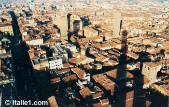 Tours de Bologne