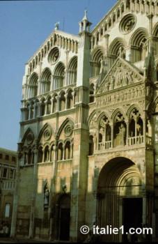 Cathédrale Saint Georges à Ferrare