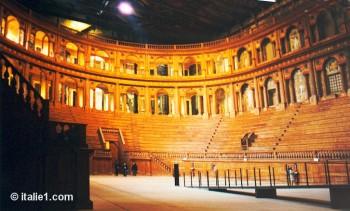 Théatre du palais Farnèse à Parme