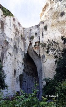 oreille de Denys dans les Latomies du parc archéologique Neapolis de Syracuse
