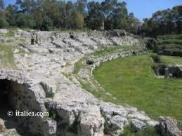 amphithêatre romain de Neapolis