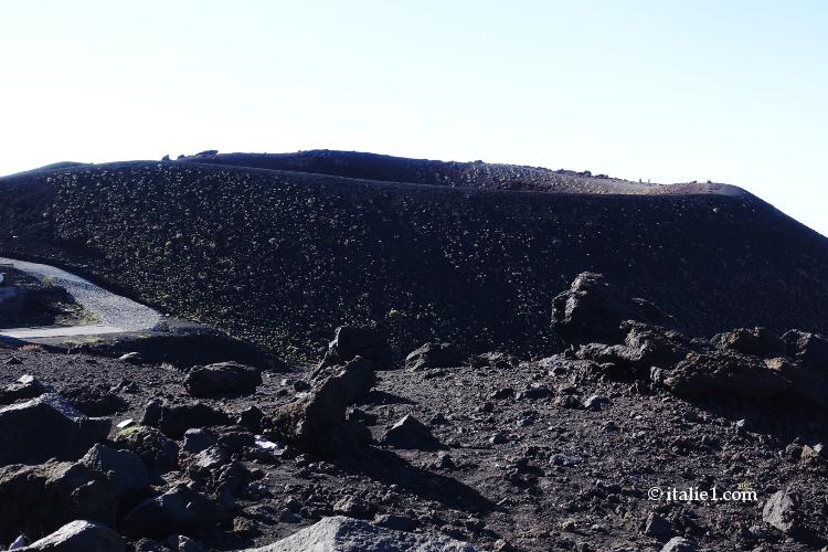 Visiter l'Etna les cratères Silvestri