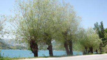lac de Scanno dans les Abruzzes