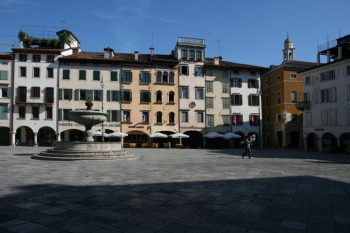 Place Matteoti à Udine
