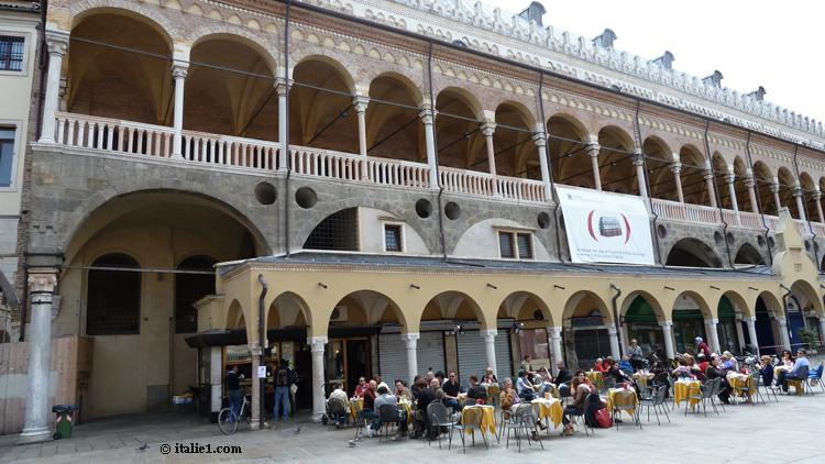 Visiter le palais de la ragione à Padoue